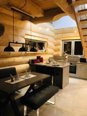 11_Wohn-und-Essbereich-im-EG-mit-Zugang-zur-Terrasse